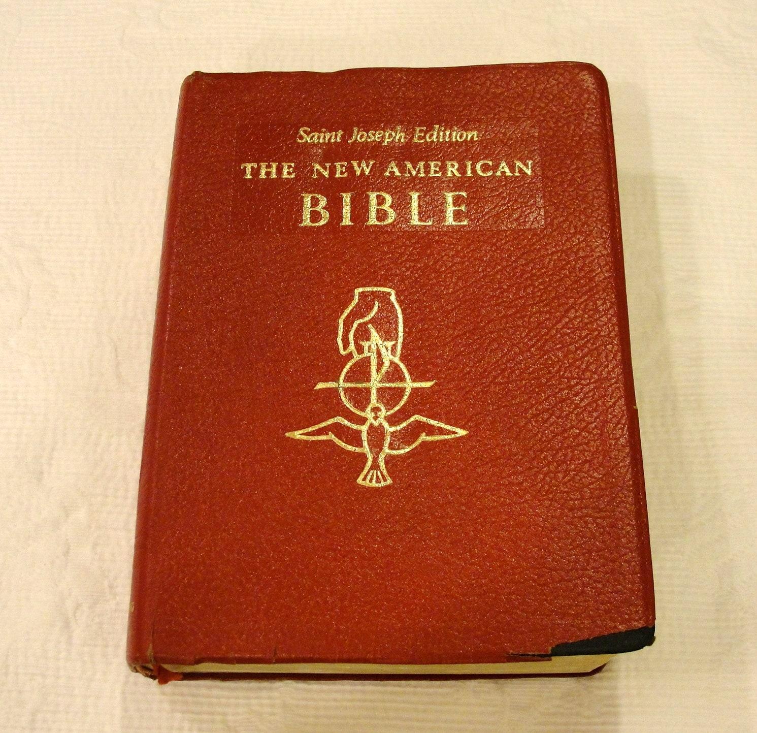 vintage new ST Joseph Sunday missal and HYMNAL 1980 CATHOLIC BOOK PUB PRAYER