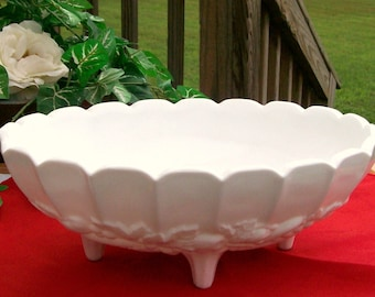 Vintage Heavy Footed INDIANA GLASS White Milk Glass Oval Scalloped Fruit Bowl / Compote