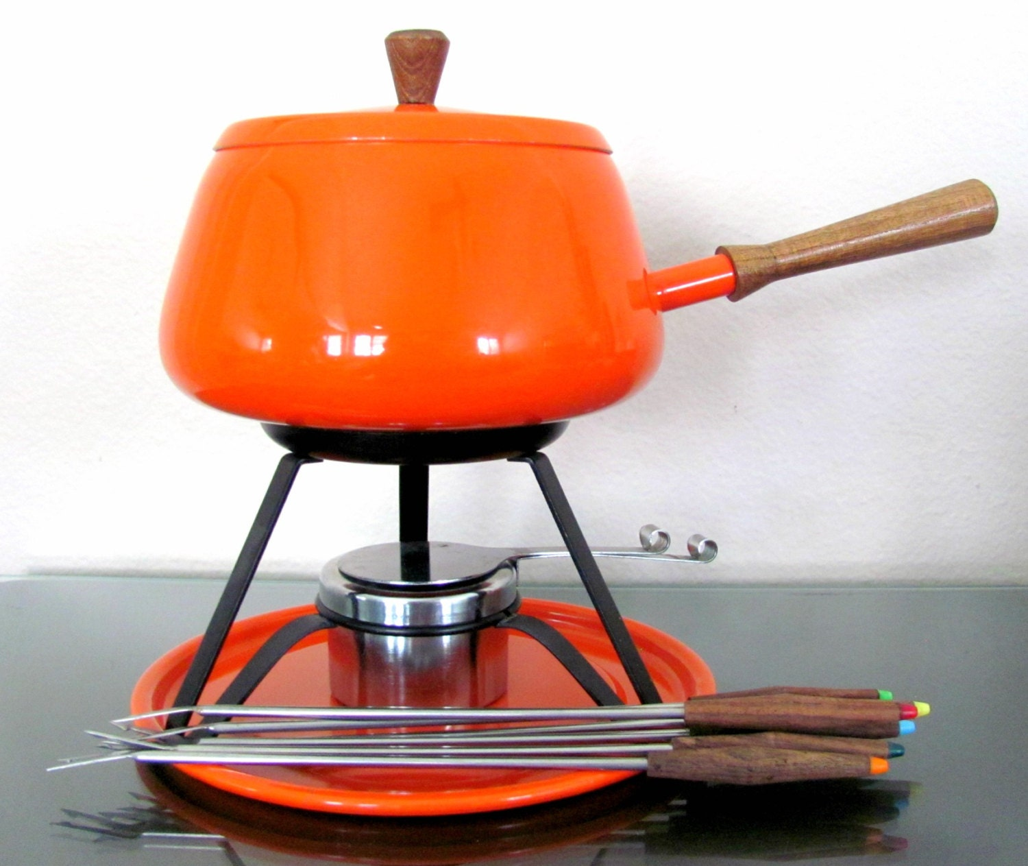 vintage 1960 39 s fondue set mod orange fondue pot mid. Black Bedroom Furniture Sets. Home Design Ideas