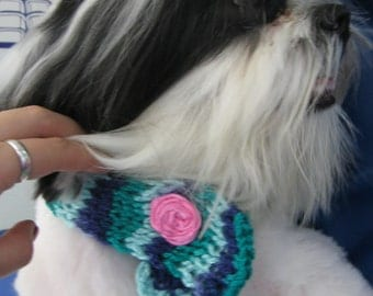 Lovely crocheted pet collar