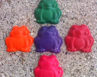 5pk. Frog Crayons