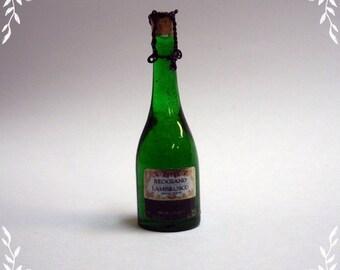 Bottle of red wine Lambrusco 1/12 Scale