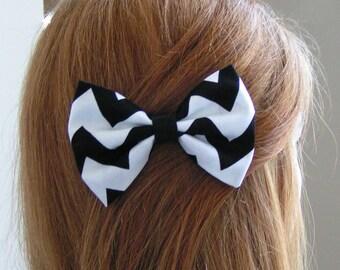 Black and white chevron hair bow, Hair Clips, Hair Barrettes, Fabric Hair Bows, Hair Bows, teens,women