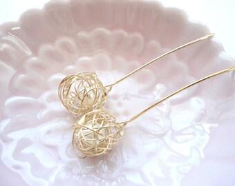 Wire ball dangle drop earrings, love knot earrings, wire tangled ball drop, pearl in tangled wire earrings