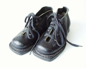 Children Ski Boots, Child's Leather Shoes, Vintage Nordic Sportswear, Russian Footwear, Ski Gear, Soviet Union Sports Memorabilia
