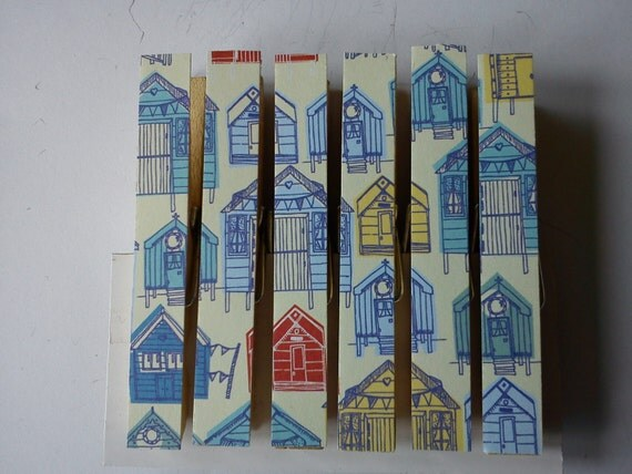 Beach hut magnets clothespins pegs