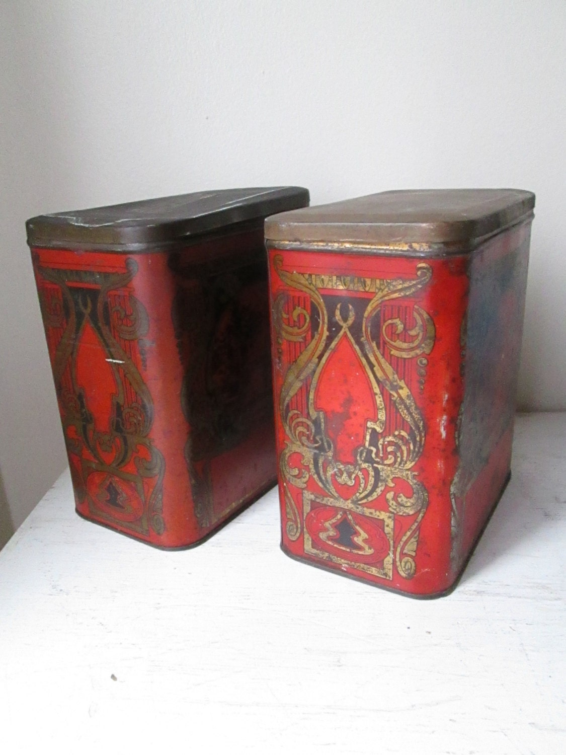 1930s decorative tins