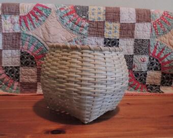Shaker Cat Head Basket
