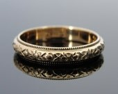 Rose Gold Wedding Band with Floral Pattern Center, Vintage  RGBD580D