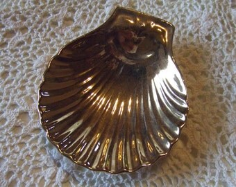 """Lot of 6 Vintage Soap Dish Gold colored looks like a Seashell  5"""" X 4 1/4""""  Made in France  Mehun CP  BC"""