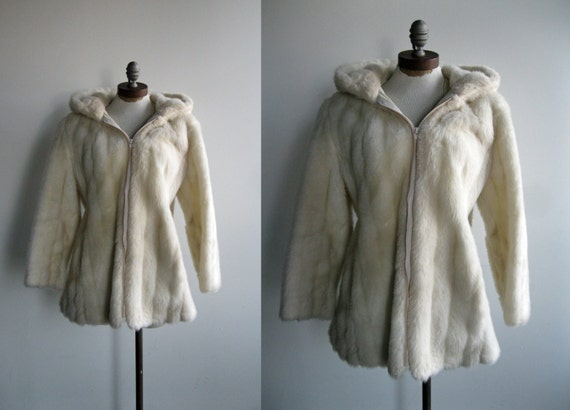 Late 1970's/Early 1980's Women's White Cream Faux Fur Hooded Coat Jacket with White Leather Detail
