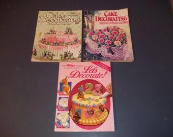 3  Wilton Cake Decorating Magazines