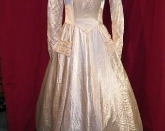 Vintage 1940s custom made wedding gown