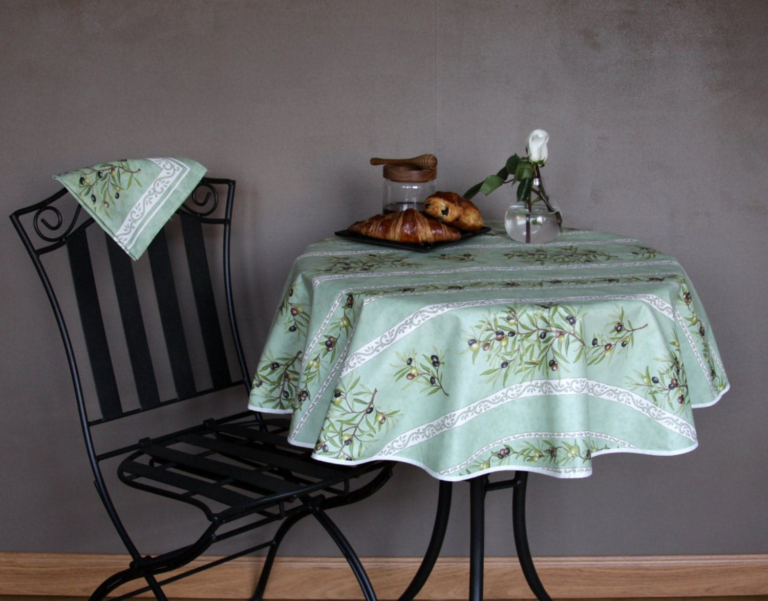 Small Or Medium Round Tablecloth 42 To 60