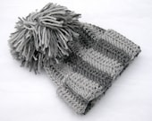 chunky crochet teenagers or adults beanie with big pompom , gray stripes - kleinedromen