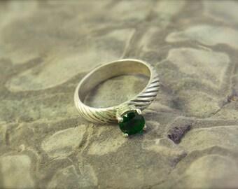 Green gemstone Ring, Sterling Silver, chrome diopside ring, emerald green ring, green ring, green stone ring, chrome diopside, womens ring