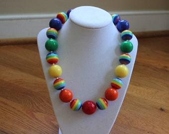 Rainbow bubblegum bead necklace. Birthday Girls chunky bead necklace for toddler girls. Rainbow beaded necklace. Christmas back to school