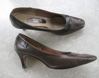 50s Brown Thom McAn Heels / Size 8