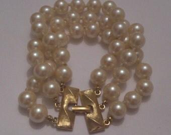vintage chunky 3 strand pearl Monet bracelet