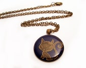 Antique Brass Chain Necklace With A Kitty Cat Resin Pendant Charm