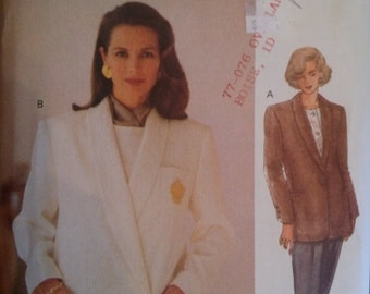 The Vogue Woman  8605   SIZE  14-16-18  UNCUT