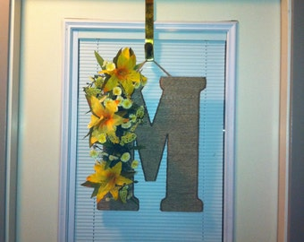 Initial Wreath-Any Letter/Any Color Flower