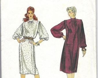 1970s Vogue 8394 Dress Pattern, Size 6-8-10
