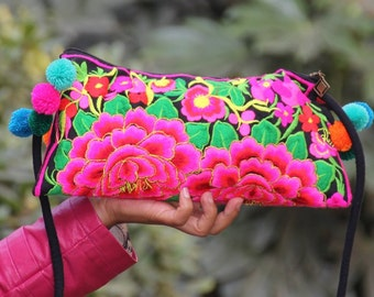 Embroidery bag ,embroidered bag ,folk style, Chinese wind bag, backpack,Flower Purse, Flower Bag, Purse