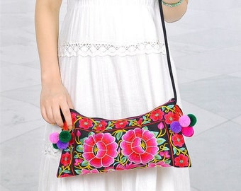Embroidery bag ,embroidered bag ,folk style, Chinese wind bag,Flower Purse, Flower Bag, Purse