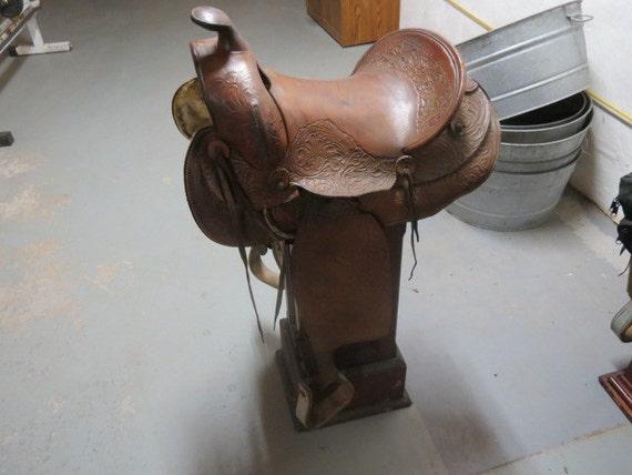 Vintage Western Saddle 86