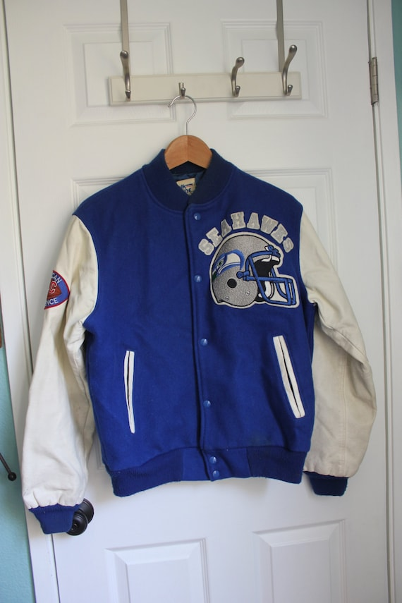 Letterman's jackets With over 25 years of experience crafting letterman's jackets, Jackye's offers high quality and full customization to fit each student's needs. Our jackets are % Made in USA and all patches and sewing are done in-house by Jackye herself!