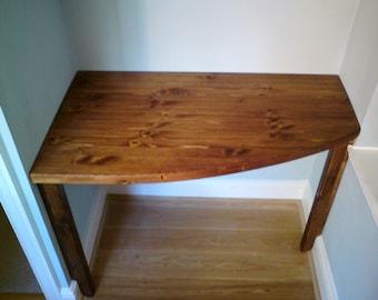 Alcove desk