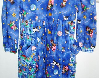 Sale.........Sale..............CHICKEN NOODLE Cat and the Fiddle girls DRESS Size 6, New old stock