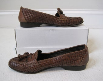 Woman's Shoes Cole Haan Size 7B Brown Vintage
