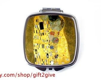 Compact Mirror The Kiss Gustav Klimt