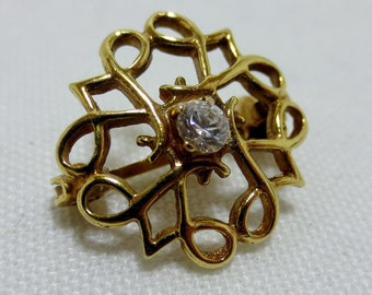 VINTAGE ENGLISH GOLD Brooch from the 1950's
