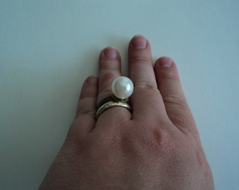 Handmade Victorian style White pearl bead Adjustable Ring