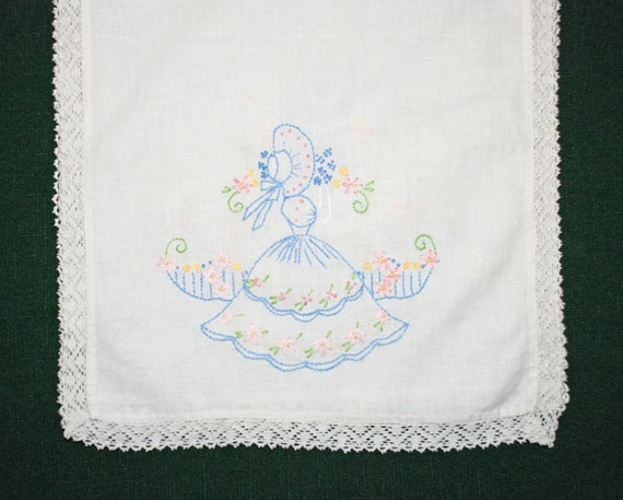 Vintage 3 pc southern belle dresser table scarf set hand - Dresser une belle table ...