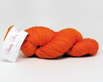 Stunning Superwash Fingering Weight - 100% Superwash Merino - Harvest Orange 100 g - 475 yds