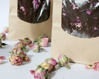 Cafe des Fleurs - 100% Fairtrade Arabica coffee blended with gorgeous organic Rose Buds