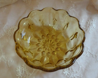 Vintage Anchor Hocking Glass HONEY AMBER BOWL - Fairfield Pattern