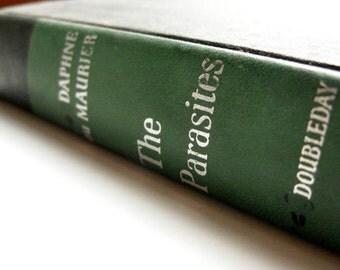 The Parasites - Daphne du Maurier, sibling rivalry, singer, dancer, artist, 1950s vintage book