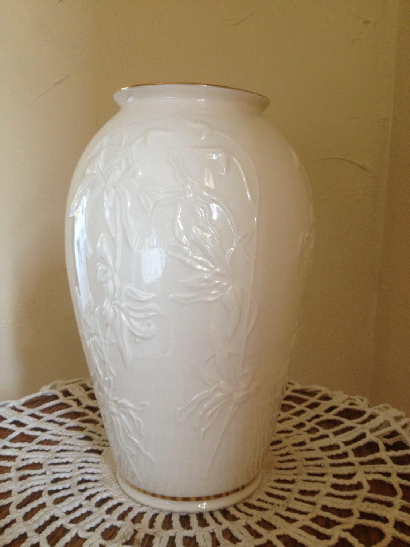 Vintage Lenox Classic Ivory Vase With Gold Trim Medium Size 7
