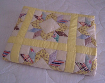 Quilt Star Pattern, quilts, country quilts, cotton quilts, hand made quilts, patchwork quilts, piece work quilt,  vintage top,