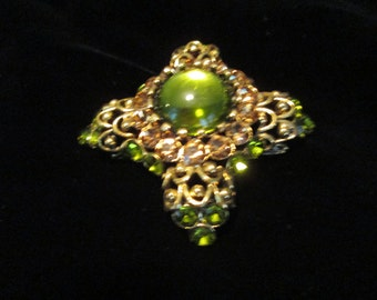 Vintage Green Cabachon Pin c1950-1960's