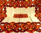 Large Rectangular 60s 70s Vintage Tablecloth, Retro multicolor Cotton Tablecloth / Vintage Linens / Flowers