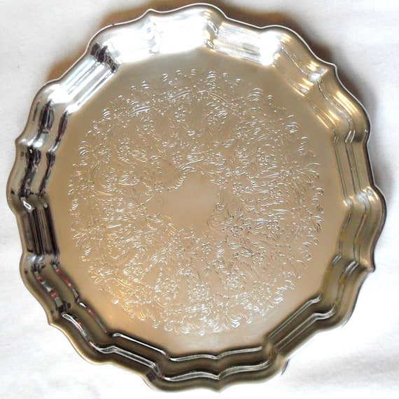 Vintage Reed and Barton Silver-plated Tray with Scalloped Edges and Flower Engraving