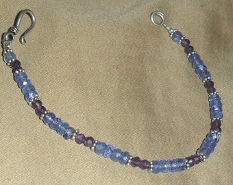 Bracelet in silver and gemstones