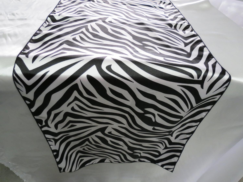 Zebra table runner 10 black white zebra wedding table for Css table zebra design