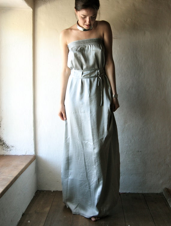 Long wedding dress in silver grey silk satin strapless floor for Silver satin wedding dress